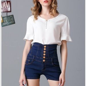 Blue high waist body shape buttons jean shorts